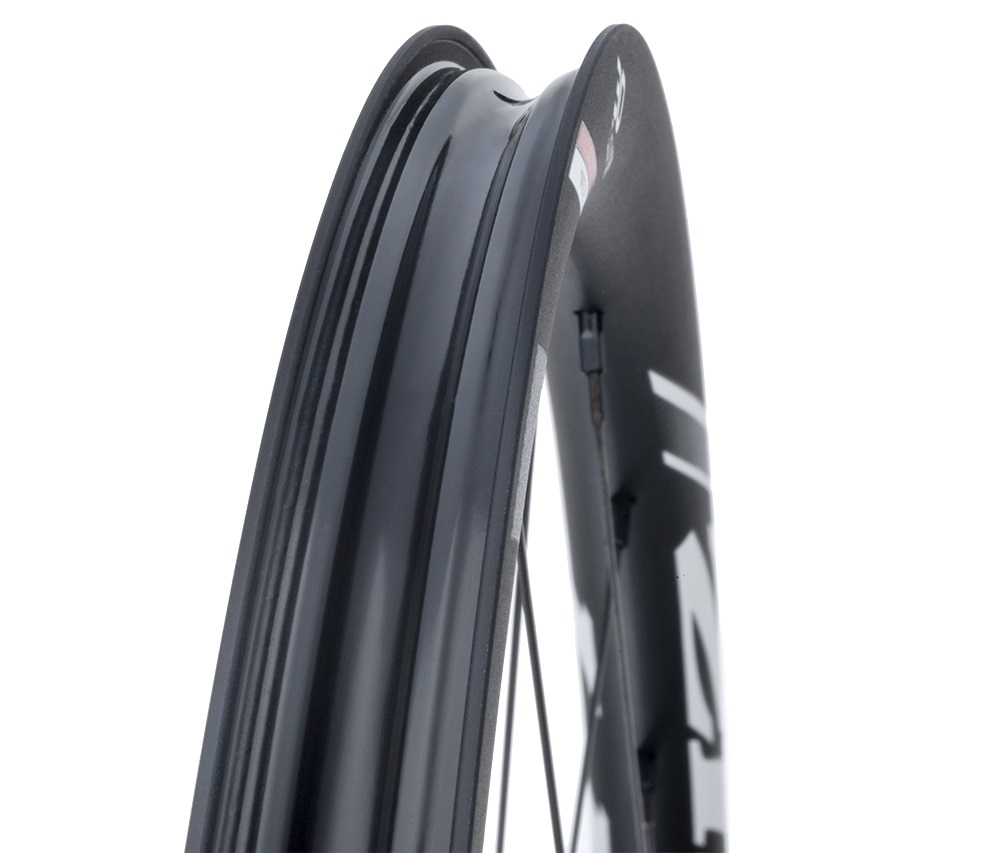 Zipp Speed Weaponry 30 Course wheel tubeless SRAM XD gravel grinder GRAVELBIKE.com